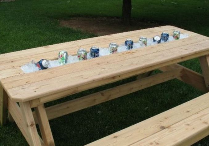 cooler2 - Awesome DIY Patio Table With Built-In Beverage Cooler!