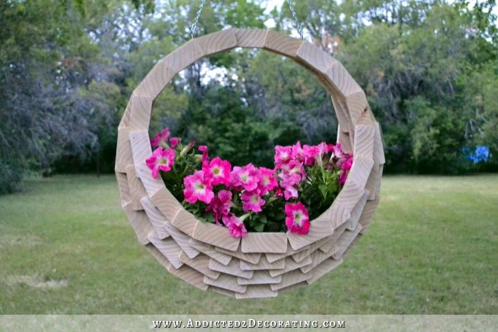 How To Make A Basket With Flowers : Super easy pieced wood diy hanging flower basket