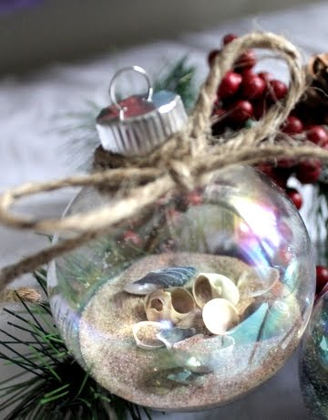 Collection of 20 beach inspired christmas craft ideas for Glass christmas balls crafts