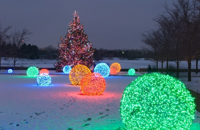 lighted christmas balls