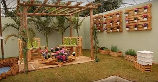 Turn Your Gardens Into A Work Of Art With These DIY Garden ...